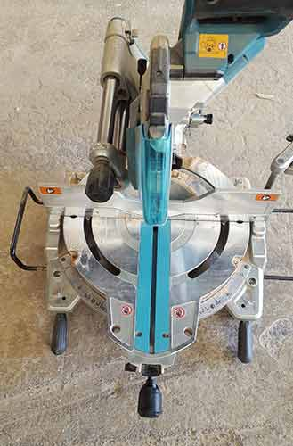 Makita cordless compound mitre saw
