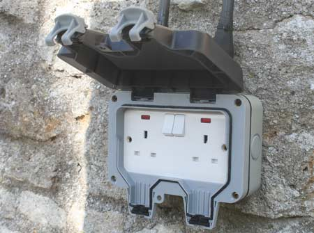 Open outdoor double socket