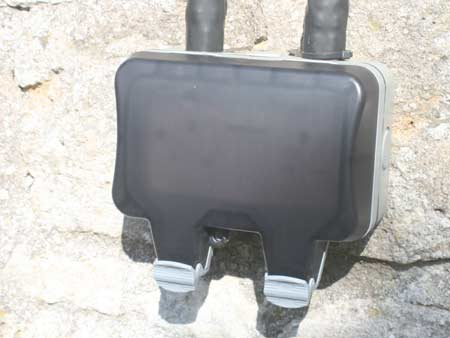Closed outdoor double socket