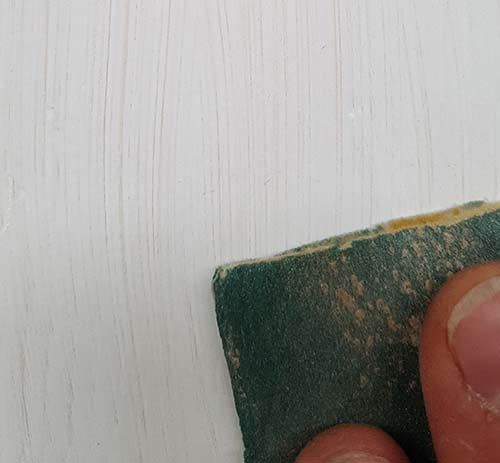 Sanding down teh 1st coat of primer