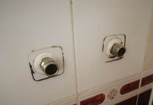 Black mould and deteriorated sealant
