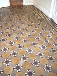 Cleaning Quarry Tiles Uncovering Tiles Covered In Bitumen Vinyl Tiles Or Lino Diy Doctor