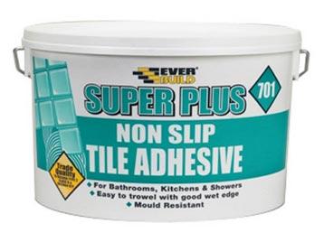 Non slip tiling adhesive