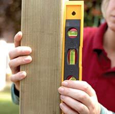 Measuring plumb vertical level