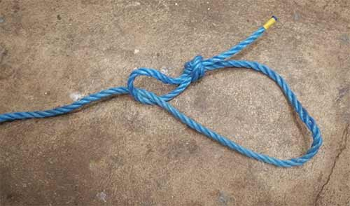 Simple choker knot for tyre swing