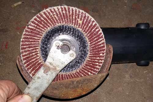 How To Use An Angle Grinder For Grinding And Cutting And