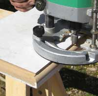 Using a router to shape cupboard door edges